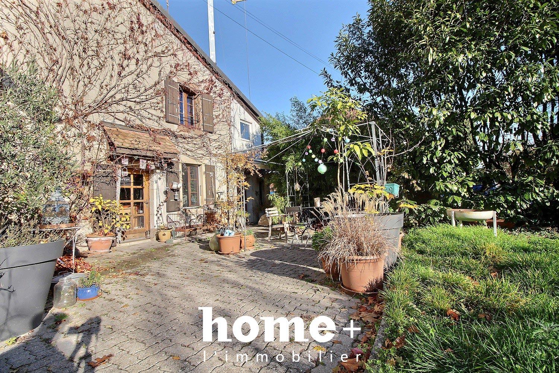 """La Rippe – """"Cachet et charme à moins de 30 minutes de Genève"""" maison mitoyenne dans une ferme rénovée"""